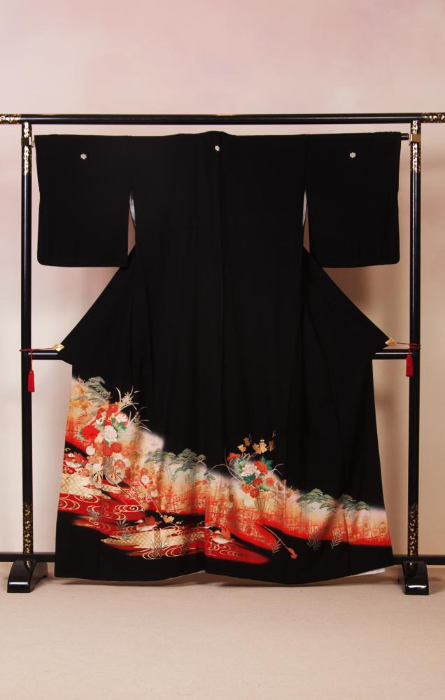820 黒留袖 鶴に花籠