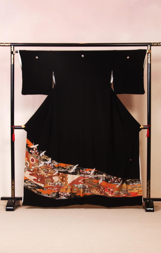 816 黒留袖 鶴と松